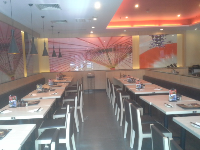 西安味千拉面餐厅装修效果图